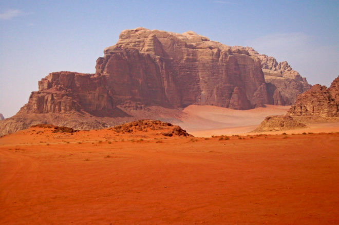 Mountain_in_Wadi_Rum,_Jordan